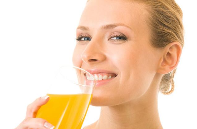 El problema de beber zumo de frutas