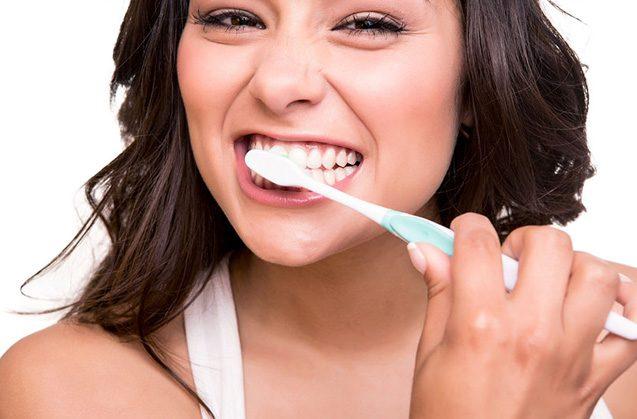 ¿En qué consiste la abrasión dental?