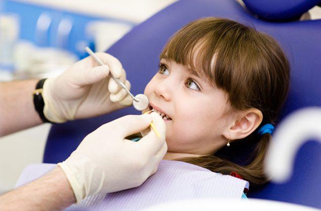 La primera consulta de tu hijo con el dentista