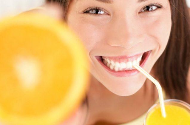 ¿Qué vitaminas necesitas para tener los dientes sanos?