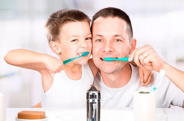Cómo cuidar la salud bucodental de los niños